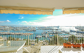 Light flooded flat with stunning sea views at Paseo Maritimo Palma