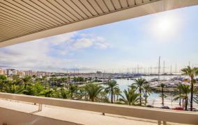 Piso de alto standing con vistas al mar en Palma\r\r