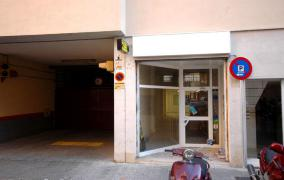 Commercial storefront only 50 meters of the Avenues in perfect condition - DomoPlan Inmobiliaria, Real Estate, Immobilien
