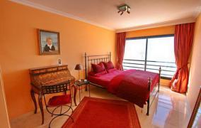 Apartment in first sea line in Ciutat Jardin