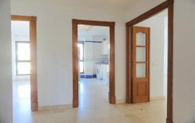 Lightflooded flat in 2nd Sea Line in Ciutat Jardin