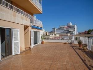 Lightflooded Apartment with terrace front of Tenis in Palma - DomoPlan Inmobiliaria, Real Estate, Immobilien