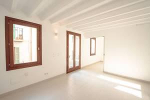 Luminoso Piso en la zona de la Rambla en Palma de Mallorca - DomoPlan Inmobiliaria, Real Estate, Immobilien