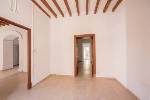 Townhouse with court yard in Santa Maria del Cam�