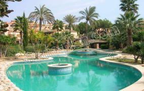 Großzügige Villa für 2 Generationen in 1. Meereslinie Residenz