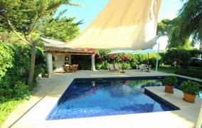 Wunderbare Villa, perfekt gepflegt und renoviert