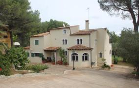 Villa mit wunderschönem Garten in Son Quint in der Nähe von Palma