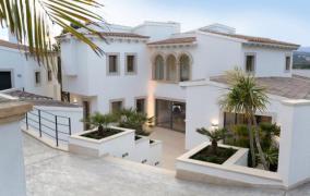 Modern sanierte Villa am Golfplatz von Santa Ponsa